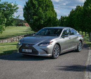 Lexus ES300h_1
