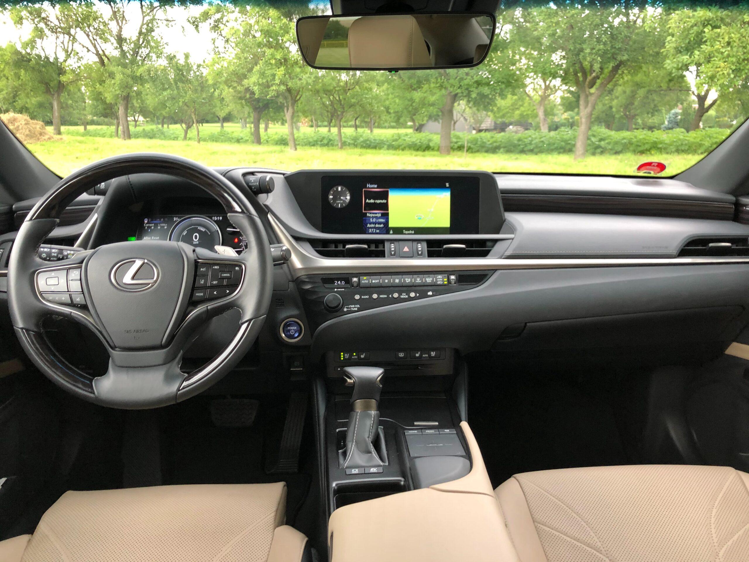 Lexus ES300h_interier