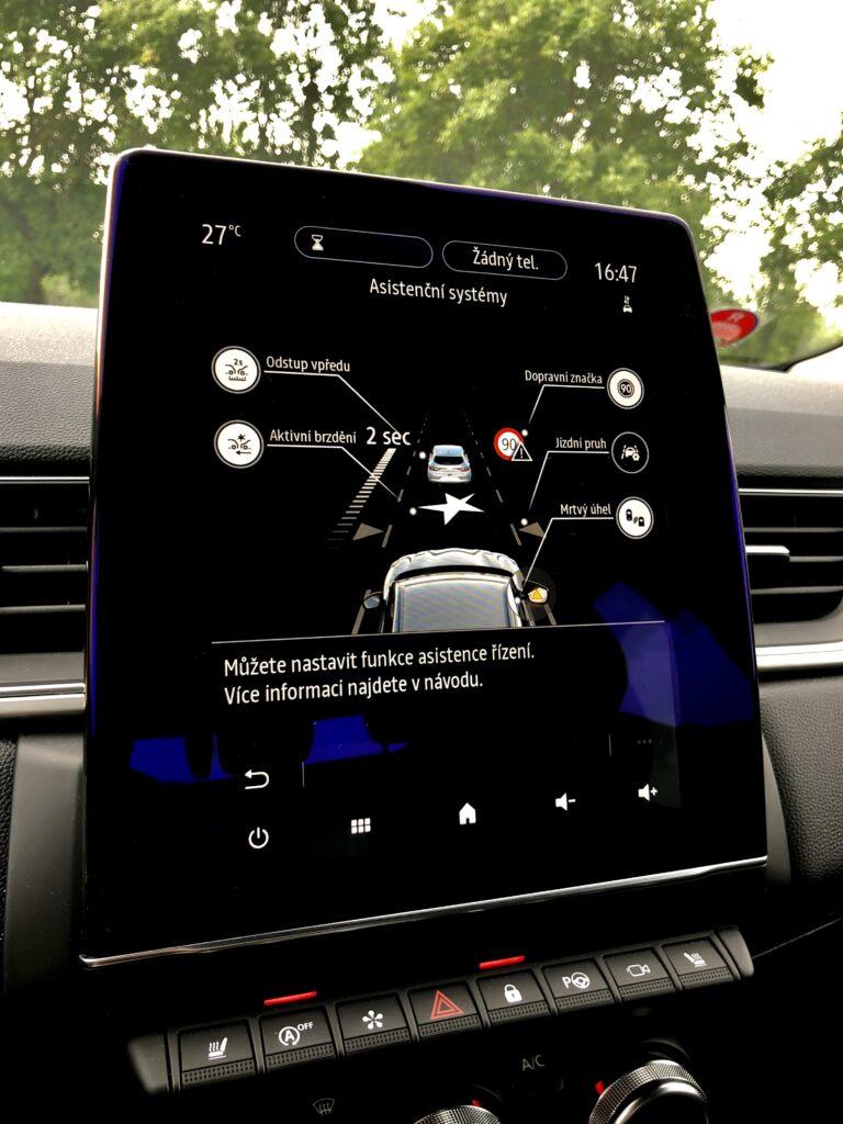 Renault Captur infotainment 2