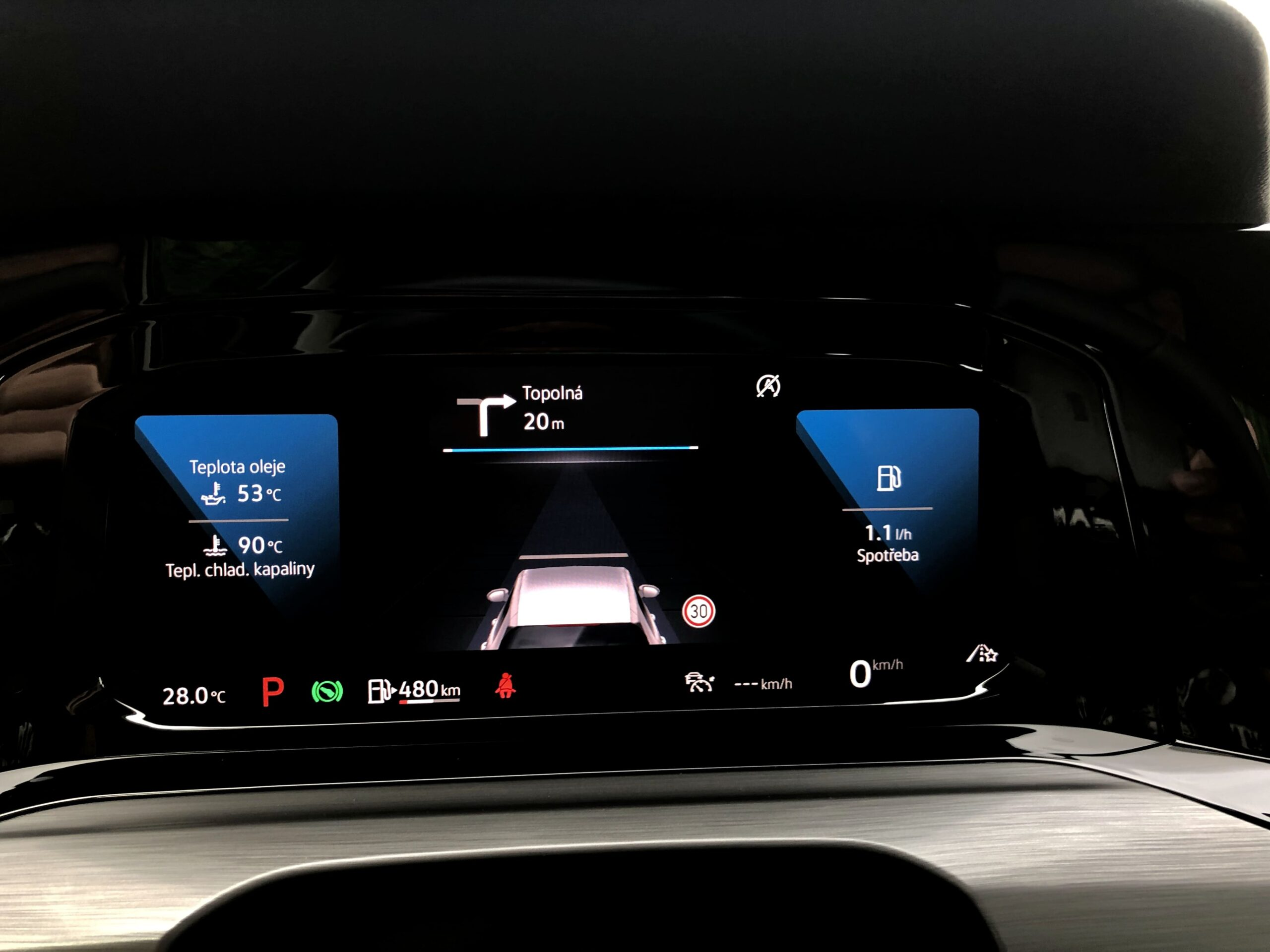 Volkswagen Golf_active_info_display_3