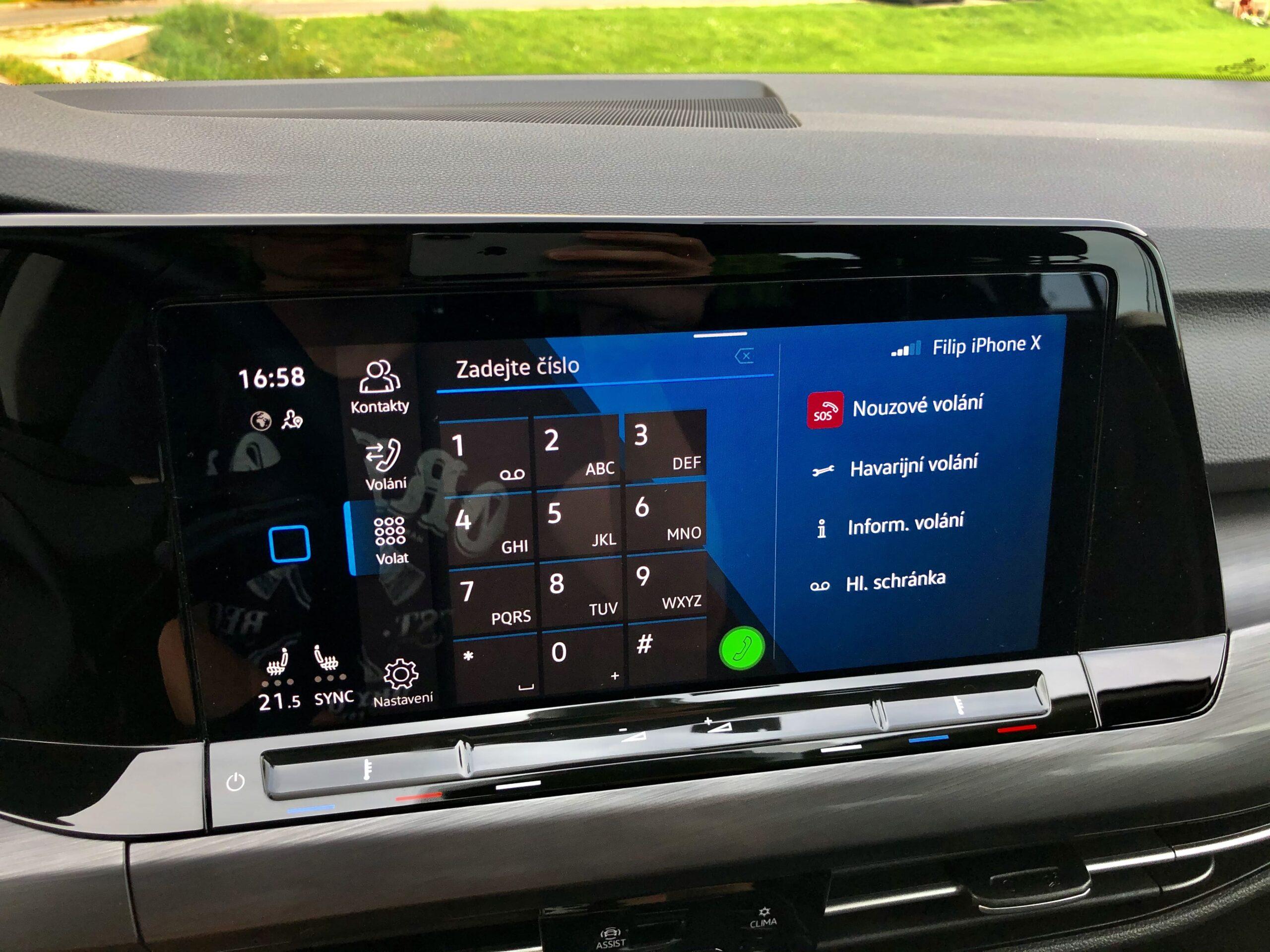 Volkswagen Golf_infotainment_1