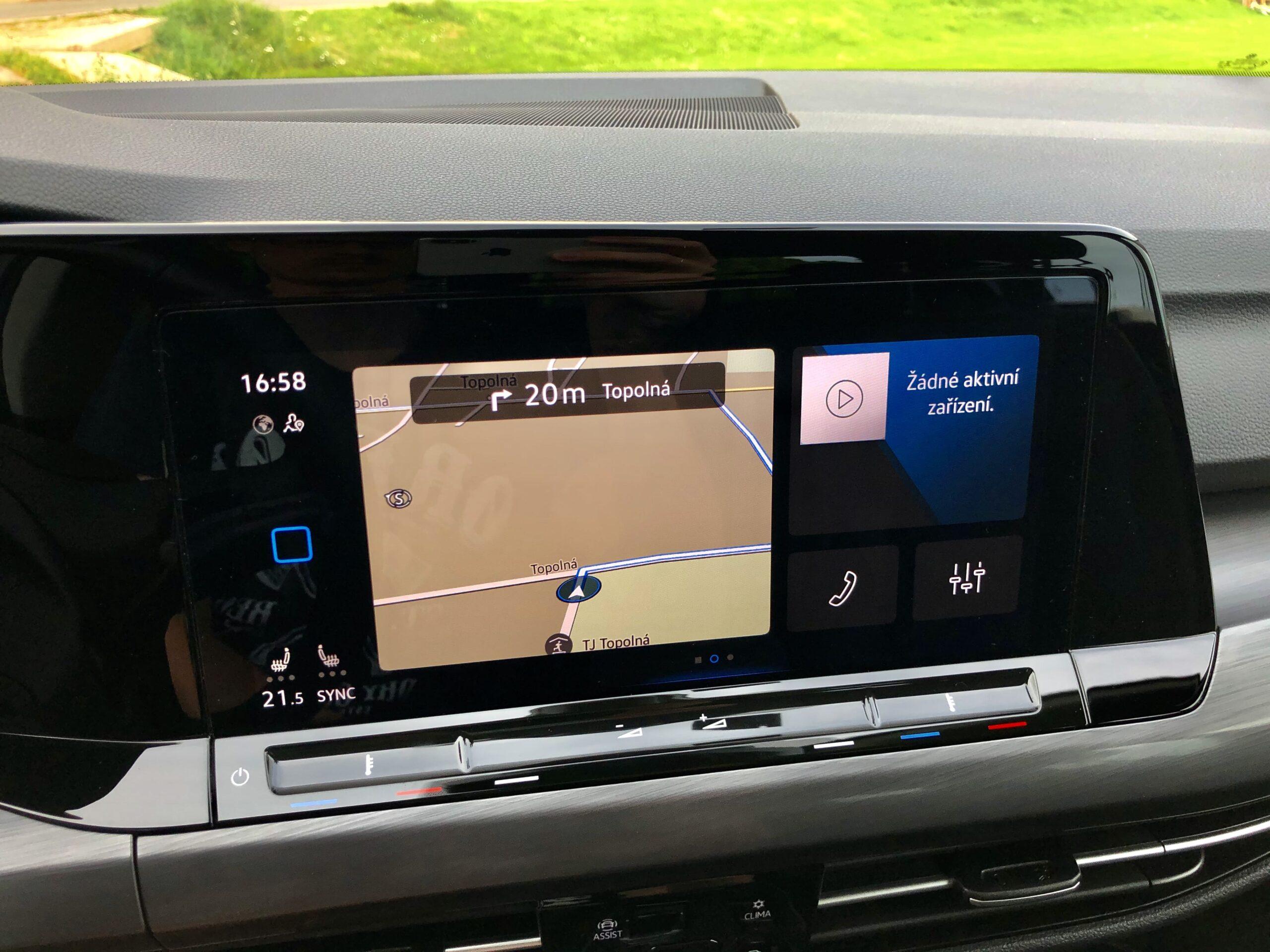 Volkswagen Golf_infotainment_4