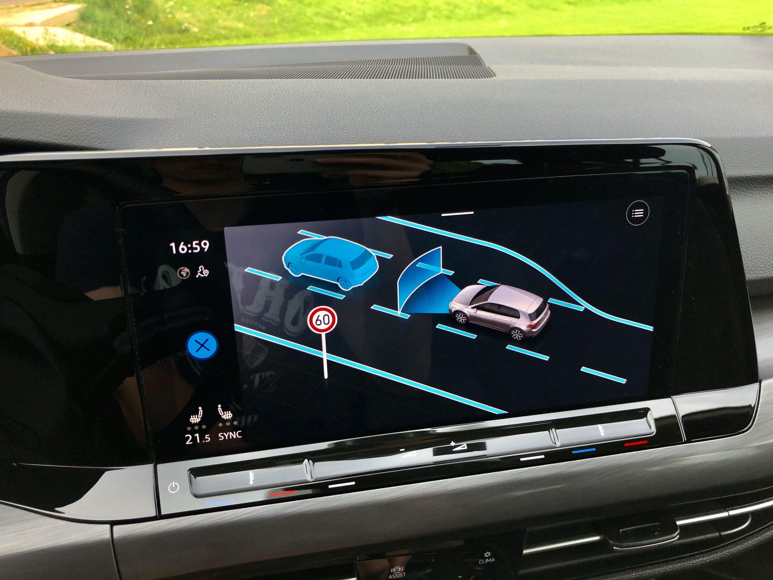 Volkswagen Golf_iQ_drive