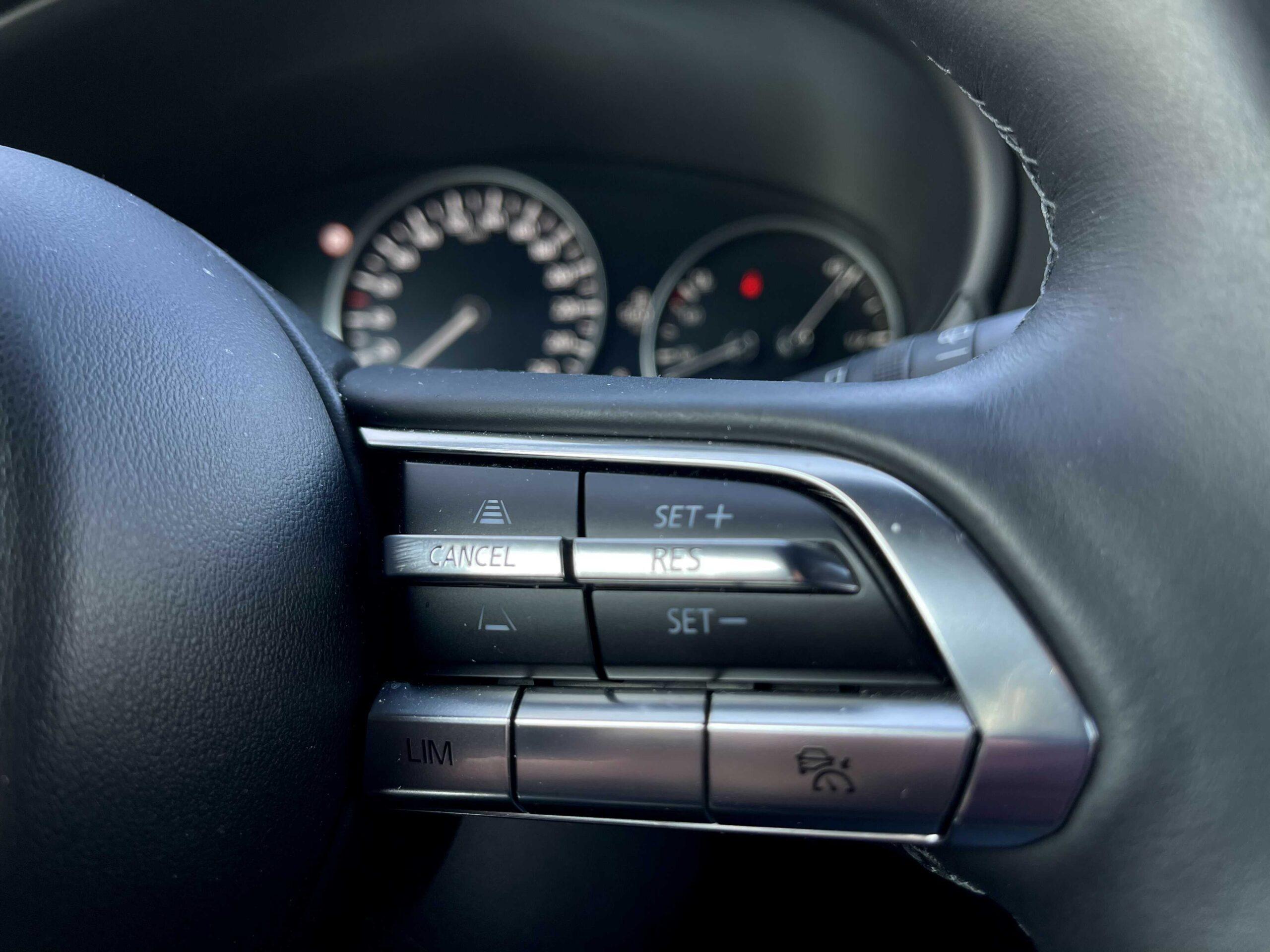Mazda 3_digitalni_kaplicka_1