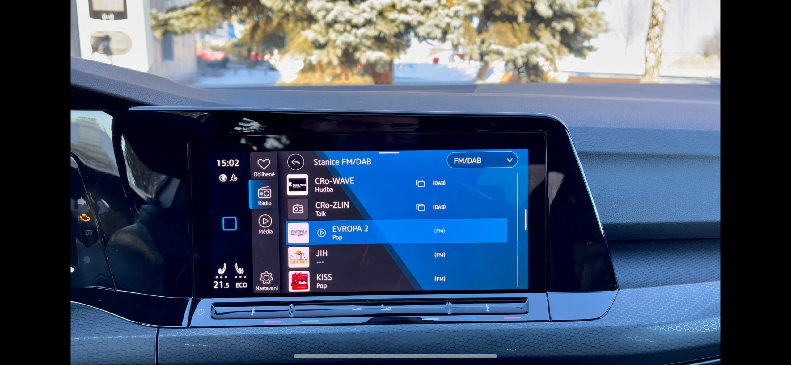 Volkswagen Golf GTE_infotainment_5