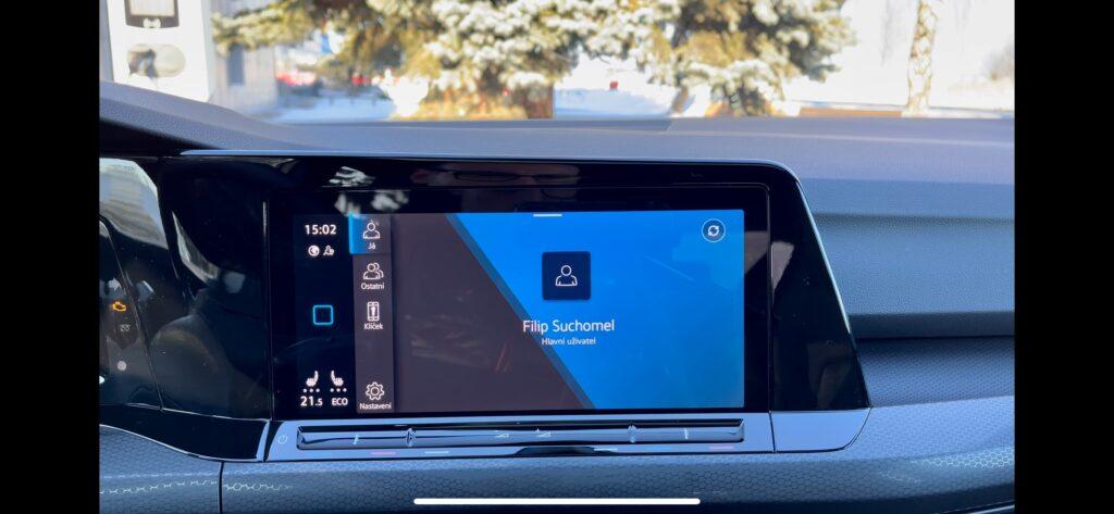 Volkswagen Golf GTE_infotainment_8