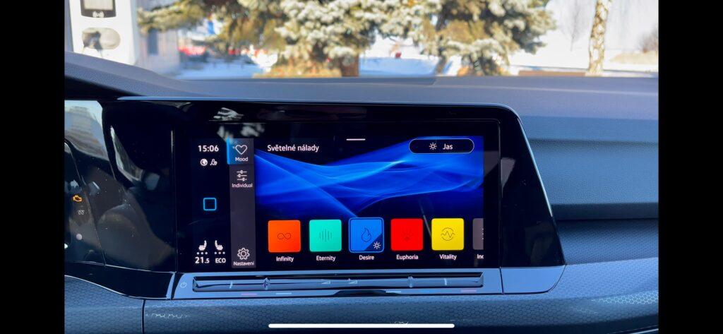 Volkswagen Golf GTE_infotainment_6
