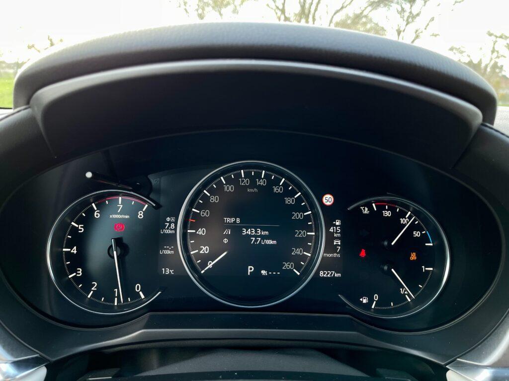 Mazda CX-5 pristrojovy stit_1