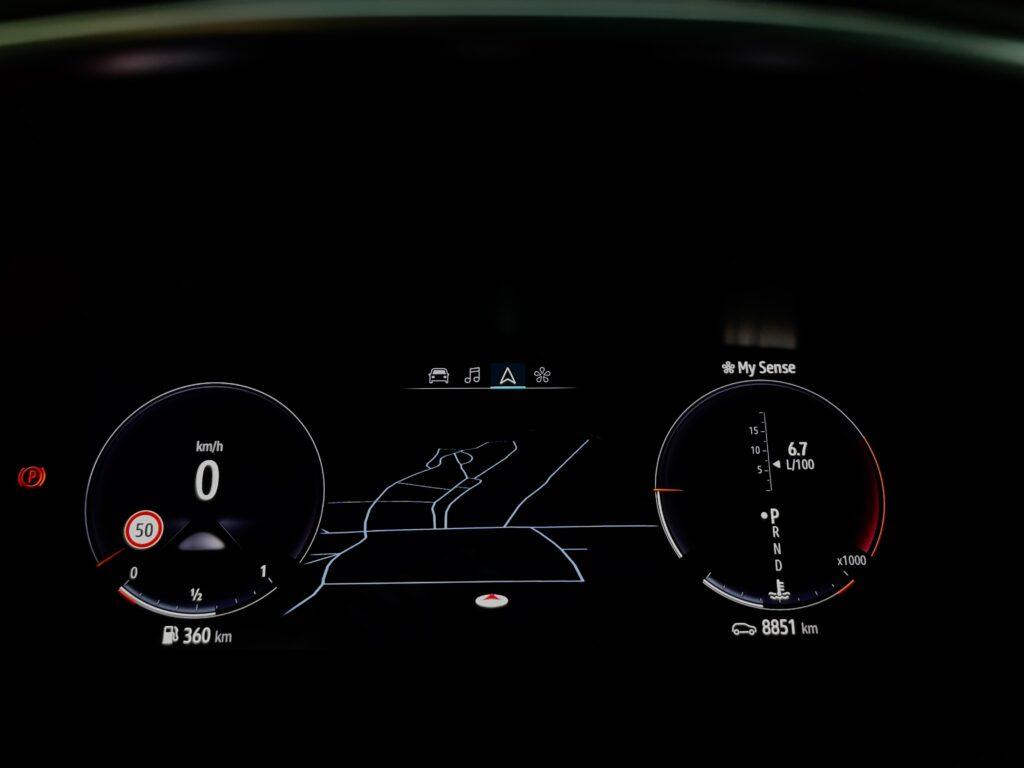 Renault_Talisman_digitalni_stit_2