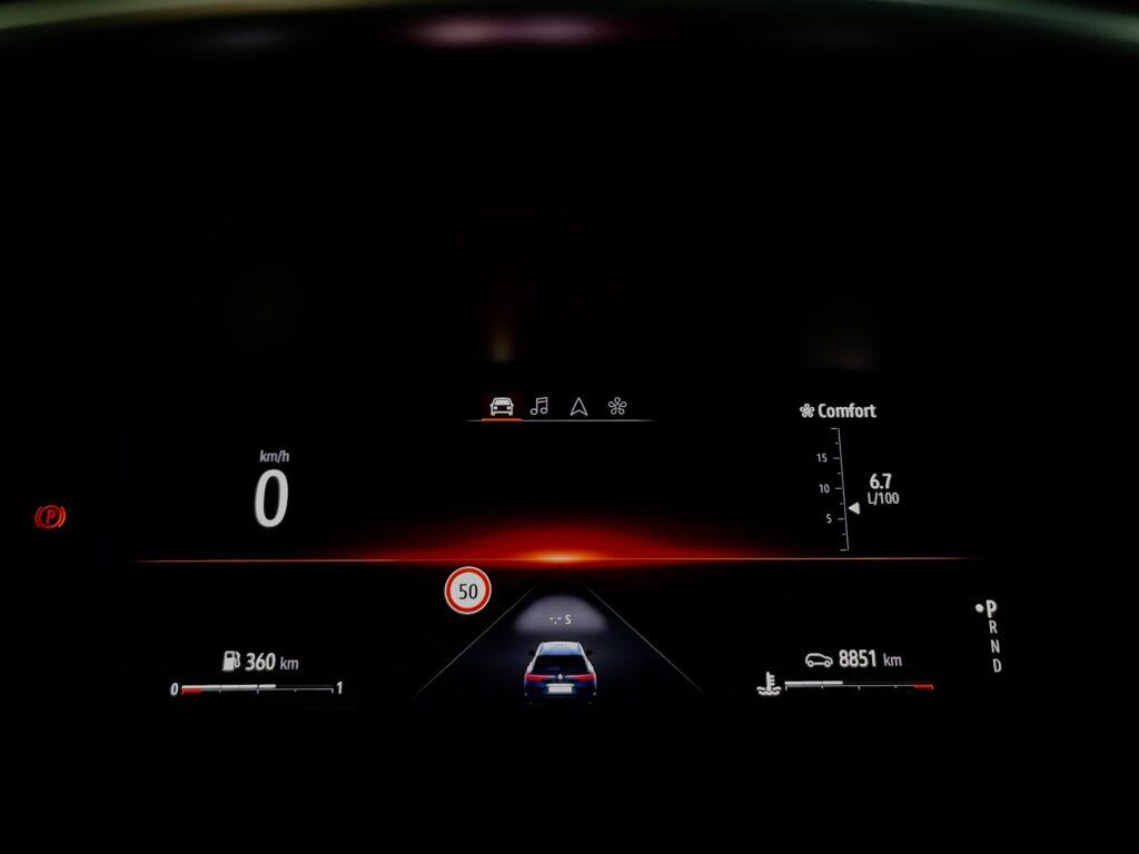 Renault_Talisman_digitalni_stit_1