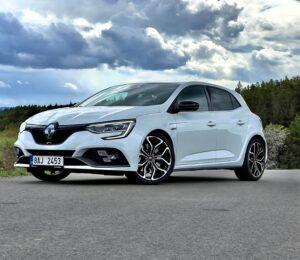 Renault_Megane_RS_infotainment_2