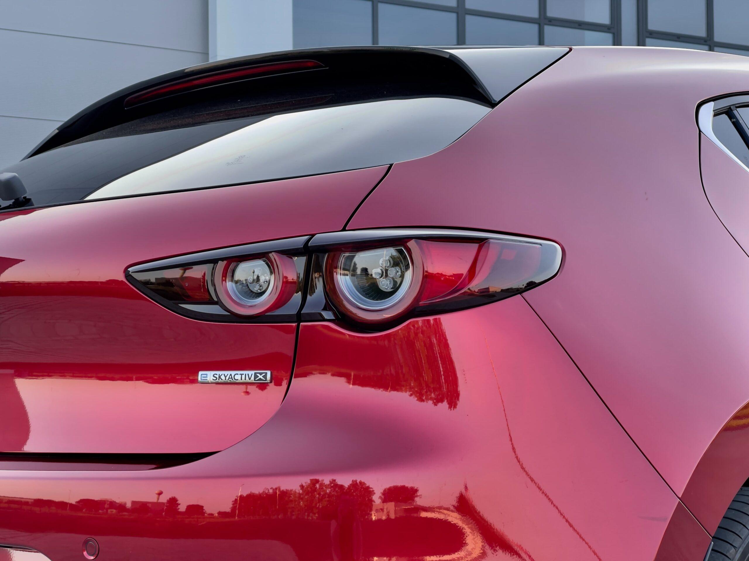 Mazda 3_e-skyactiv x_4