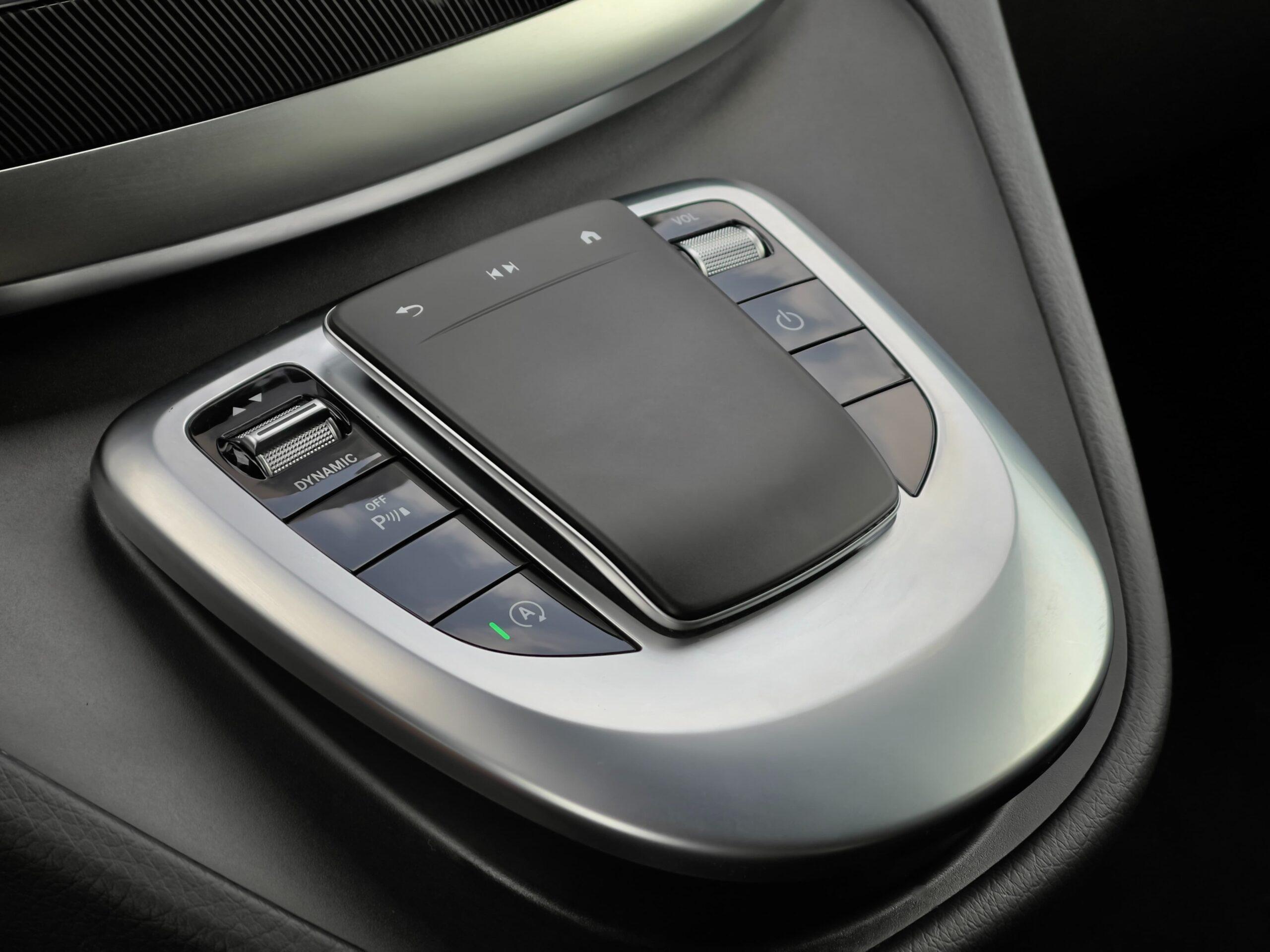 Mercedes-Benz V250d_interier_2